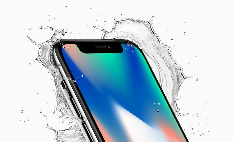 iPhone X con salpicaduras de agua
