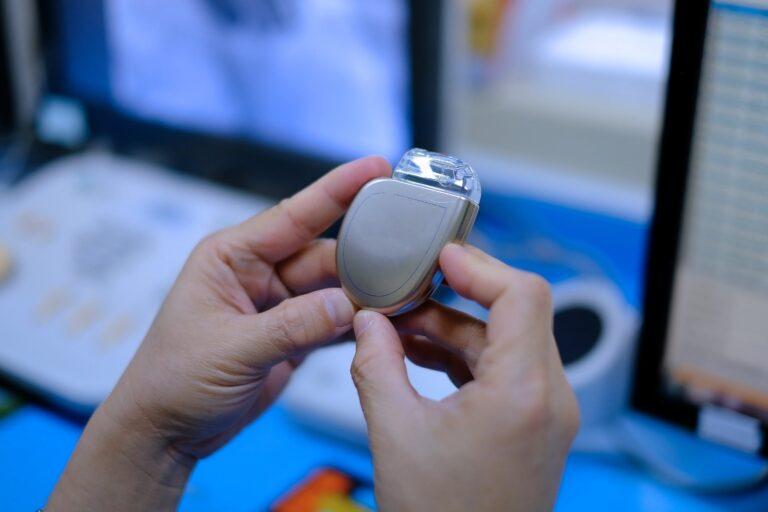 Cardioversor desfibrilador implantável